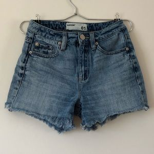 GARAGE High-Waisted Raw Hem Denim Mom Short 01